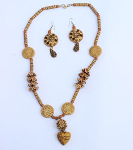 Boho Wooden Hand Made Necklace & Earring - RHIZMALL.PK Online Shopping Store.