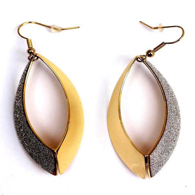 Starfire Golden Hollow Hoop Earring - RHIZMALL.PK Online Shopping Store.