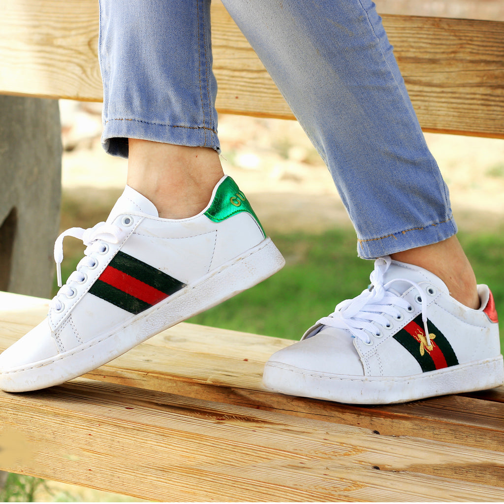 wholesale dealer 8a859 291f9 White Bee Comfortable Sneakers