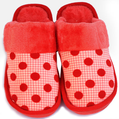 Polka Dot Red Woolen Warm Slippers - RHIZMALL.PK Online Shopping Store.