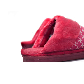 Squishy Pink Warm Woolen Slippers - RHIZMALL.PK Online Shopping Store.