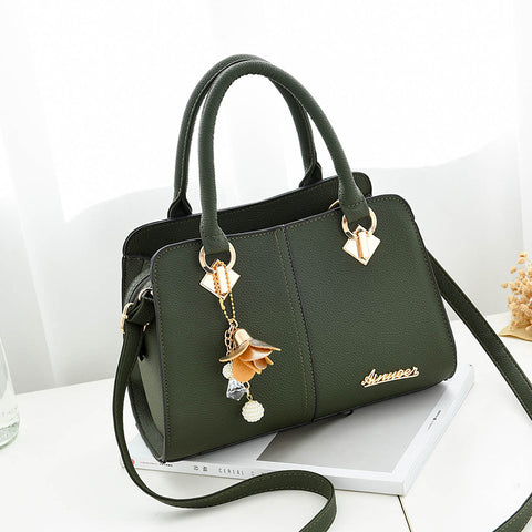 Women Hardware Ornaments Solid Totes Handbag - RHIZMALL.PK Online Shopping Store.