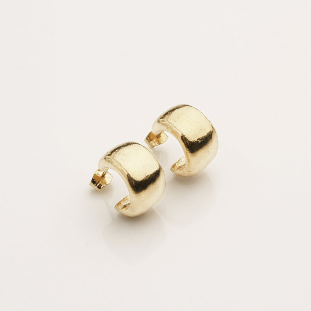 0.8 Wide Hoops - Gold Vermeil