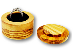 wooden olive wood round Shaped Ring Jewellery Box with diamond ring  boîte Coffret bague bijoux en bois d'olivier by MR OLIVEWOOD® wholesale manufacturer US based supplier USA Canada