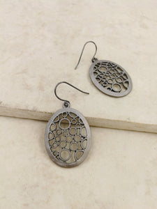 Lyslie Earring in Gunmetal
