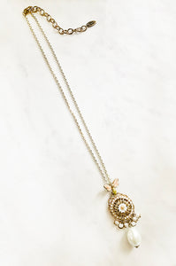 Dainty Bee and Pearls Pendant Necklace