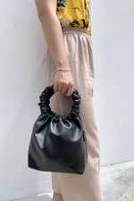Ruffle Ring Handle Tote