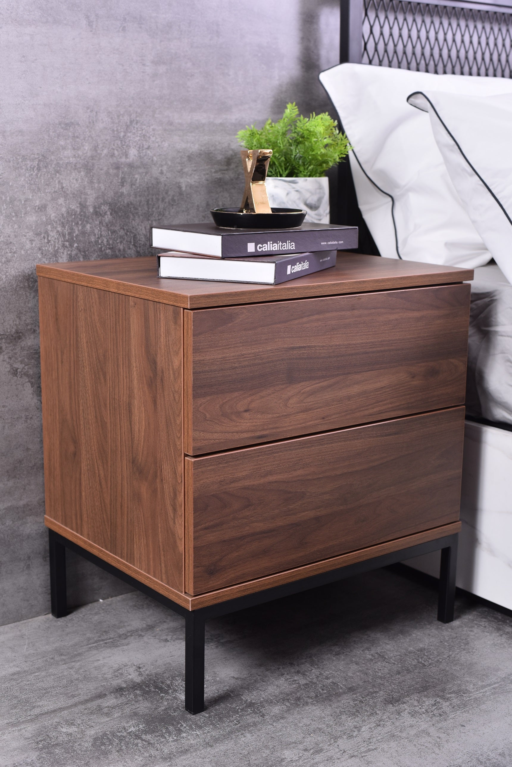 Kensei bedside table, Columbia walnut