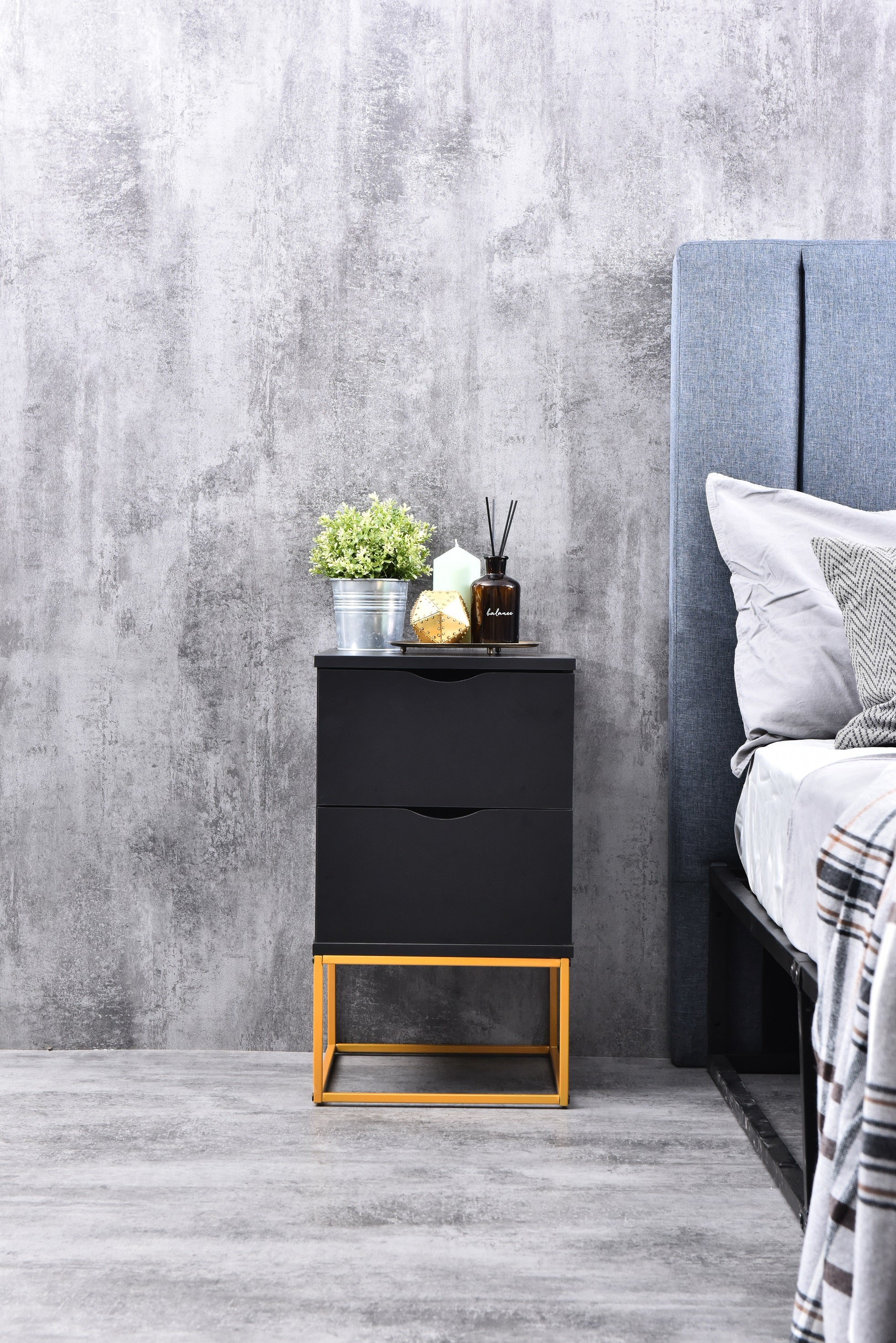 Saylor bedside table with drawers, black (gold metal frame)