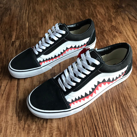 """SHARK"" VANS OLD SKOOL"