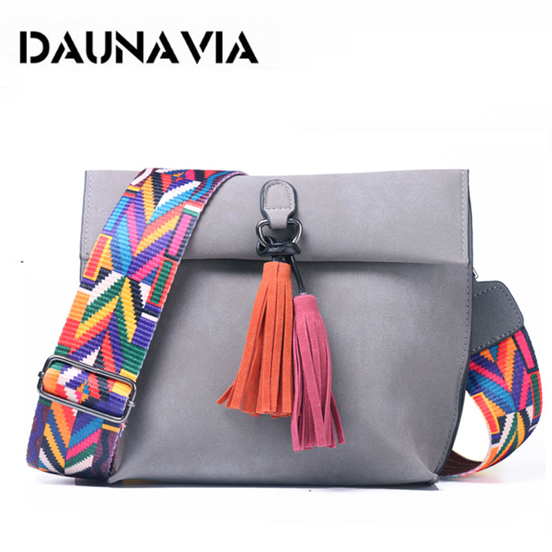 DAUNAVIA Brand Women Messenger Bag Crossbody Bag tassel Shoulder Bags Female Designer Handbags Women bags with colorful strap