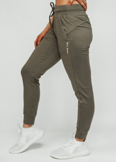 Warm Up Joggers Sage Green