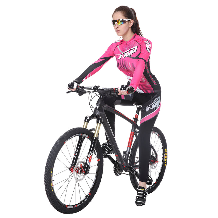 Women riding a bicycle wearing a cycling suit in Rose colour