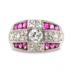 The Vintage Ruby Engagement Ring: Consider a Pop of Crimson Color