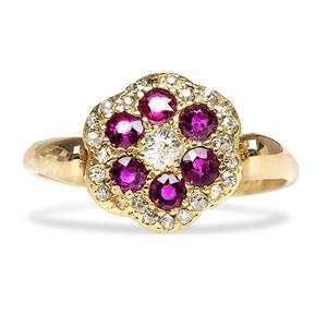 Flashes of Floral: Exploring the Flower Diamond Ring