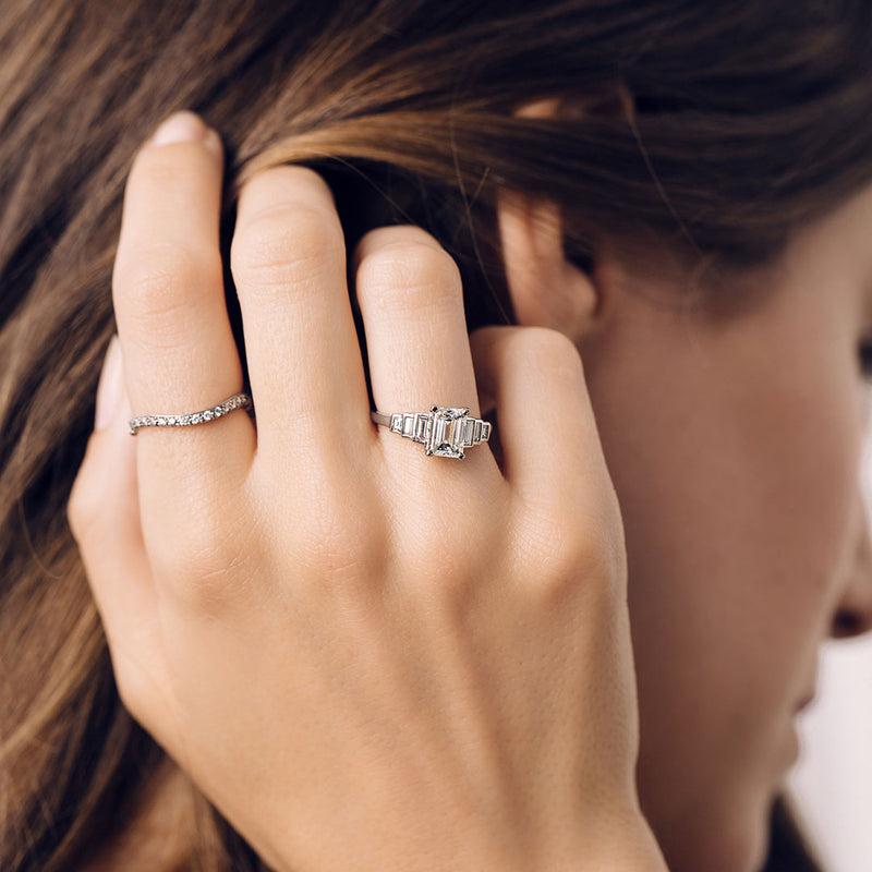 How to Pick an Antique Engagement Ring That Will Make Her Heart Flutter
