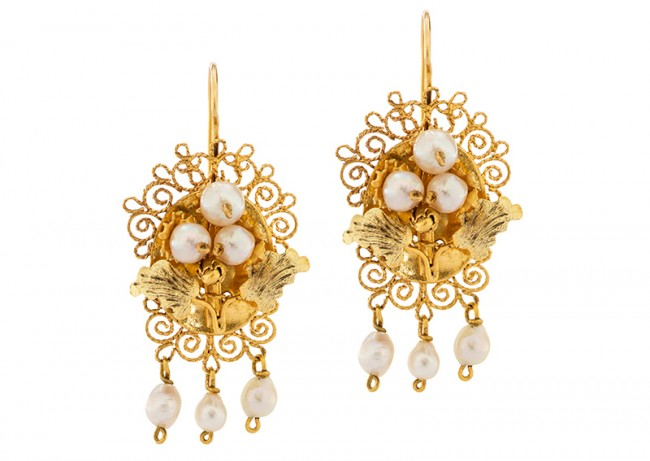 Victorian gold and pearl earrings