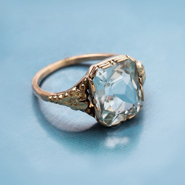 Vintage Retro Era Aquamarine with Floral Motif | Doral Springs from Trumpet & Horn