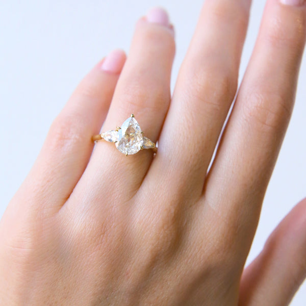 A Magnificent 18k Yellow Gold and Diamond Three-Stone Engagement Ring | Seabreeze