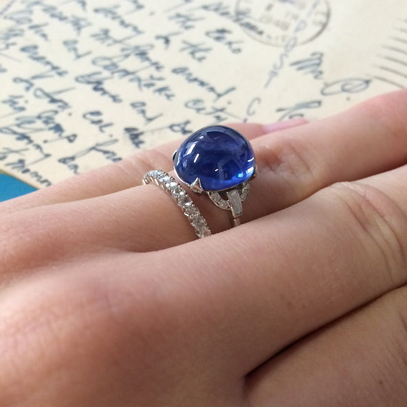 white davinci gold sapphire emporium engagement cabochon and ring blue rings diamond