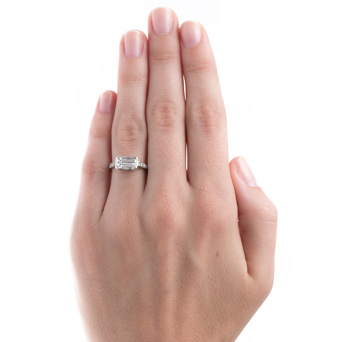 Exchange Promise With a Classic Diamond Engagement Ring – Trumpet & Horn