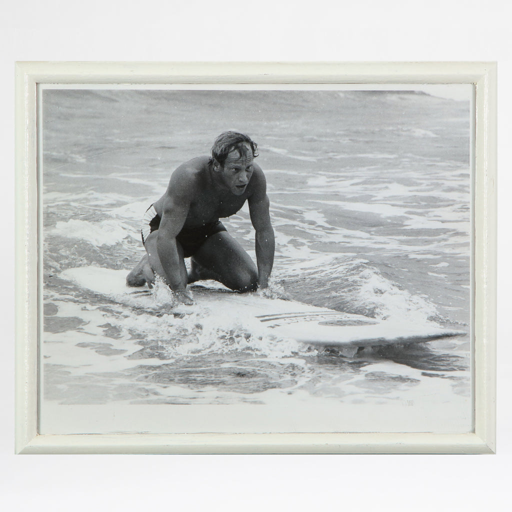 Surfer kneeling on his surfboard print