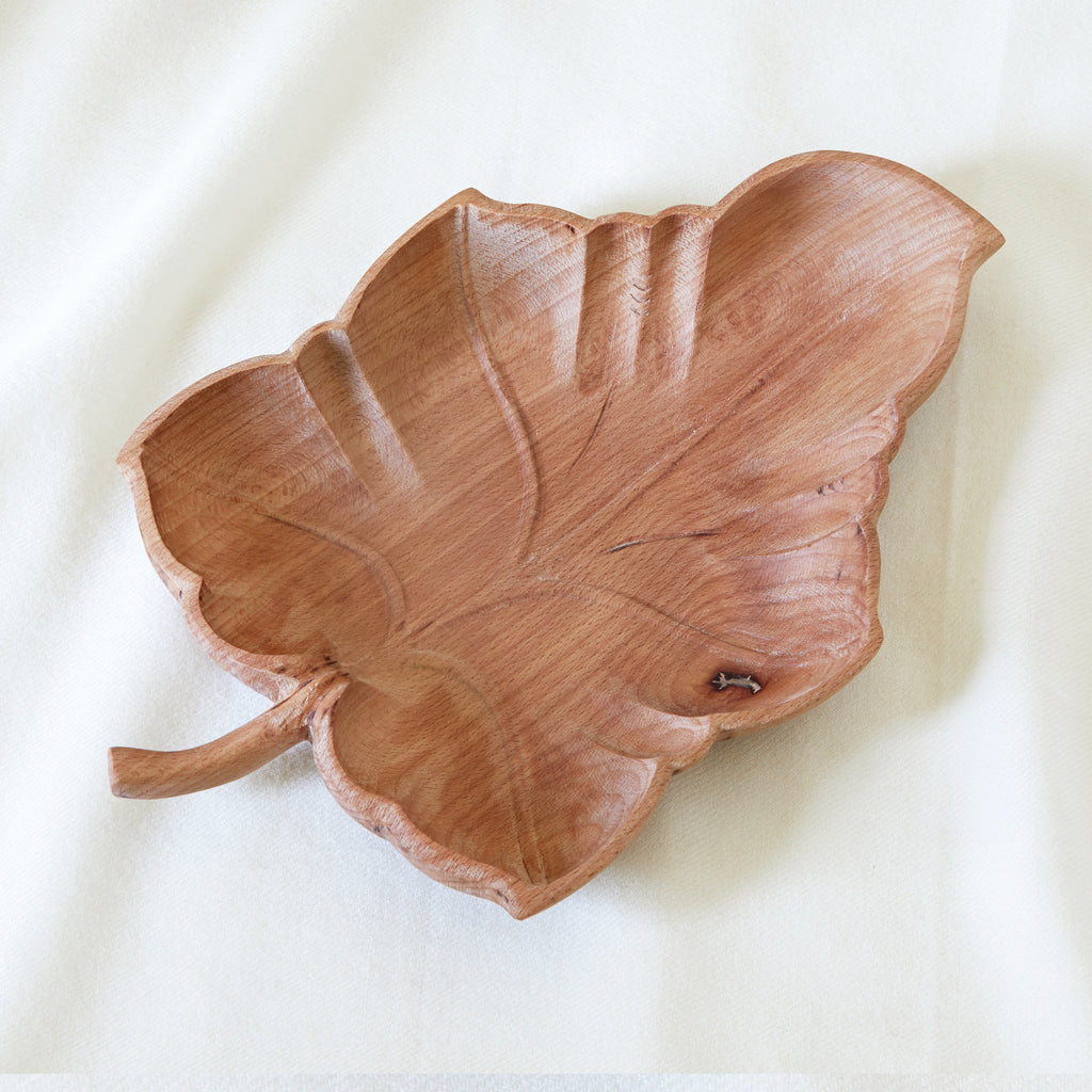 Botanique carved leaf bowl in beechwood