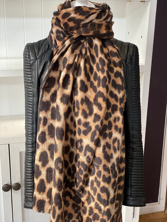 New Oversized Leopard Print supersoft Scarf