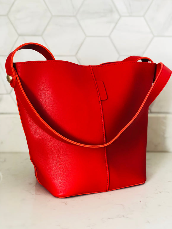 Red Bucket Bag - Medium - Chic Accessory