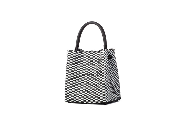 TRUSS Medium Woven Leather/Plastic Top Handle Bag in Blk/White