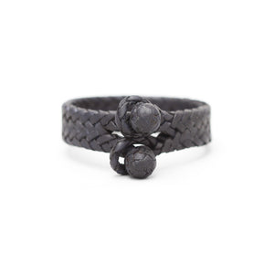 DOUBLE CLOSURE FISH BONED LEATHER BRACELET IN BLACK