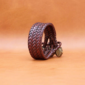 TRIPLE CLOSURE CHAMELEON CAPS WITH BRAIDED LEATHER BRACELET IN DARK  BROWN