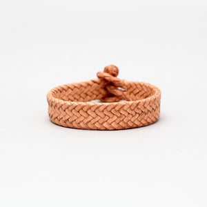 DOUBLE CLOSURE BRAIDED LEATHER BRACELET IN NATURAL