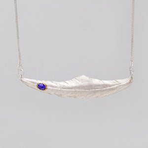 STERLING SILVER FEATHER NECKLACE WITH LAPIS IN GOLD CAP