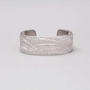 SMALL WHITE BRASS FEATHER CUFF