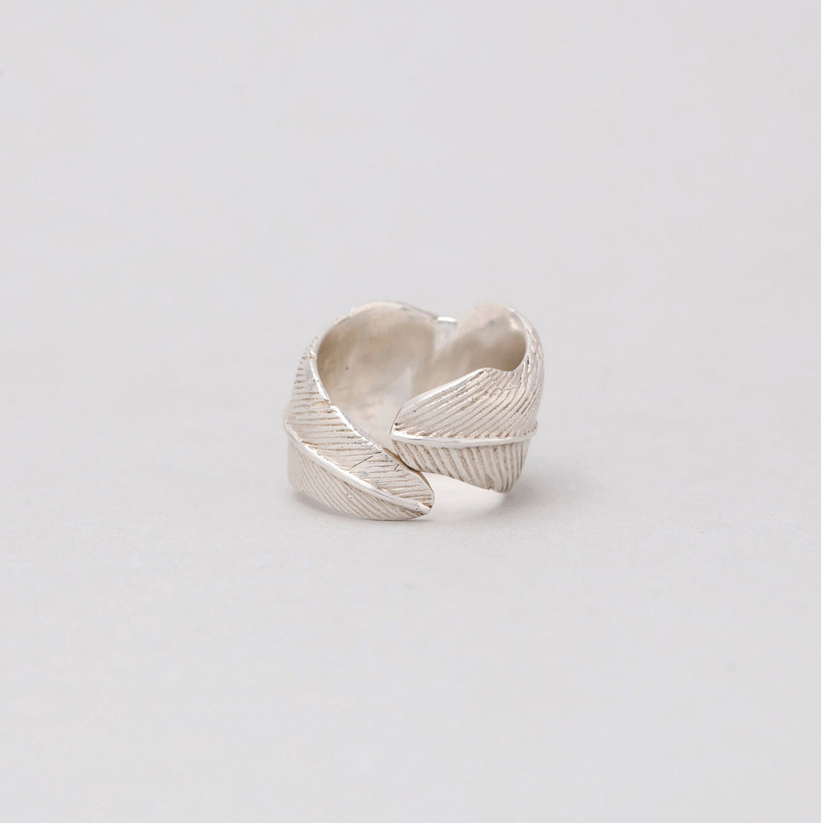 FEATHER RING IN STERLING SILVER