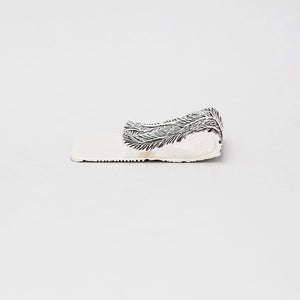 FEATHER PATTERN MONEY CLIP IN WHITE BRASS