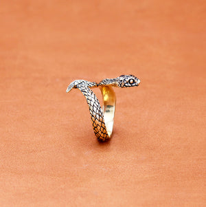 SINGLE WRAP SNAKE YELLOW BRASS RING