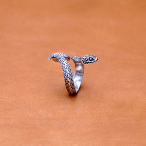 SINGLE WRAP SNAKE SILVER PLATED RING