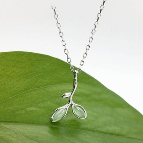 Sterling Silver Cat's Eye Leaf Pattern Pendant Necklace