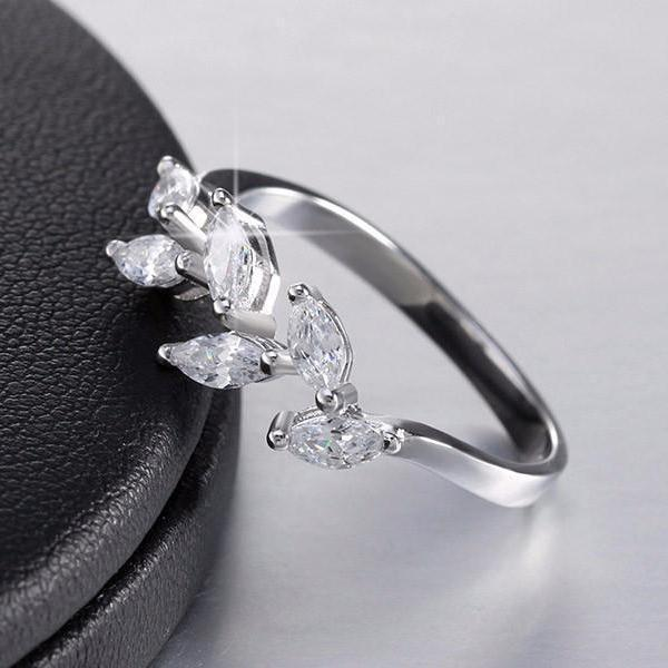 Ring Sparkling Cubic Zirconia Leaf Silver Ring LoxLux Jewelry