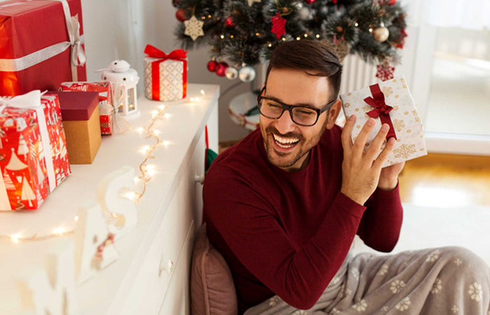 8 Best Gifts for Him This Holiday Season