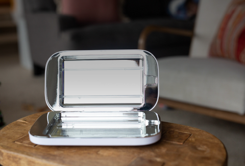 PhoneSoap 3 can sanitize your jewelry