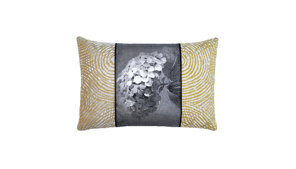 Paperwhites - Side Ripple Throw Pillow Cover