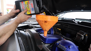 The BEST & CLEANEST way to change your engine oil + CAT Fuel Filter Change