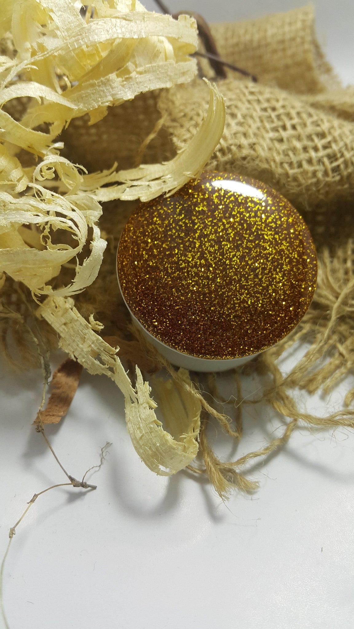 Golden Glitter Pop Socket - Seek Creation