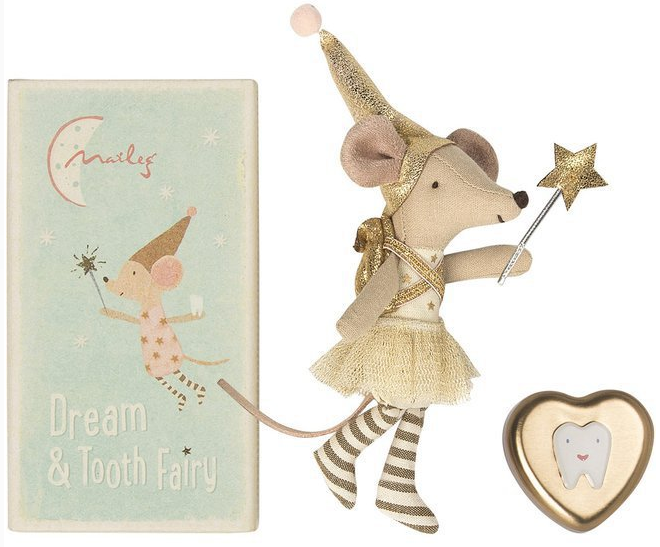 Tooth fairy sister mouse in the box