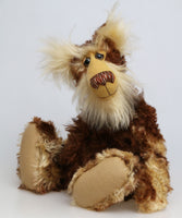 Balthazar is a magnificent and very handsome, one of a kind, artist teddy bear by Barbara-Ann Bears in a gorgeous fluffy and batik mohair, he stands 19.5 inches (50 cm) tall and is 15 inches (38 cm) sitting.