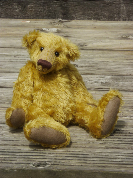 Big Dibley PRINTED traditional jointed mohair teddy bear sewing pattern by Barbara-Ann Bears for a traditional 15 inch/38cm teddy bear. We've used this pattern to make bears in a variety of mohairs ranging from 3mm to 25mm