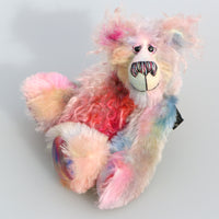 Dominic Diggle is an endearingly sweet and gentle, beautifully coloured, one of a kind, hand dyed mohair artist bear by Barbara-Ann Bears. Dominic Diggle stands 10 inches( 25 cm) tall and is 7 inches (18 cm) sitting.